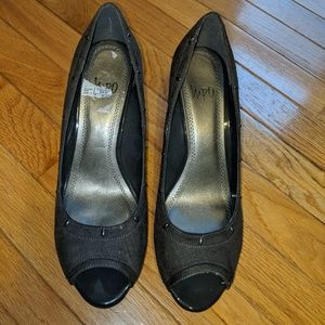 Charcoal Wedges